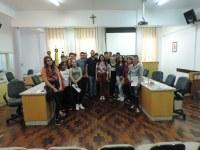 Alunos da Escola Duque de Caxias visitam a Câmara de Vereadores