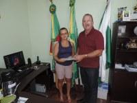 Presidente Lídio Signori recebe relatório das atividades desenvolvidas pela Emater de FW