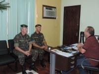 Representantes da 9ª Delegacia do Serviço Militar visitam a Câmara de Vereadores
