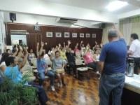 Servidores aceitam proposta de 8% de aumento em parcela única e encerram greve