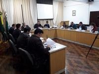 Sessão Ordinária aprova projetos e homenagem a URI