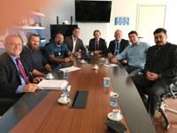 Vereadores reúnem-se com a direção da Corsan em Porto Alegre